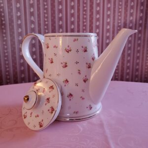 Grace's Teaware Teapot with Lid